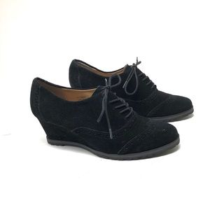 BLACK WEDGE LACE UP SHOES